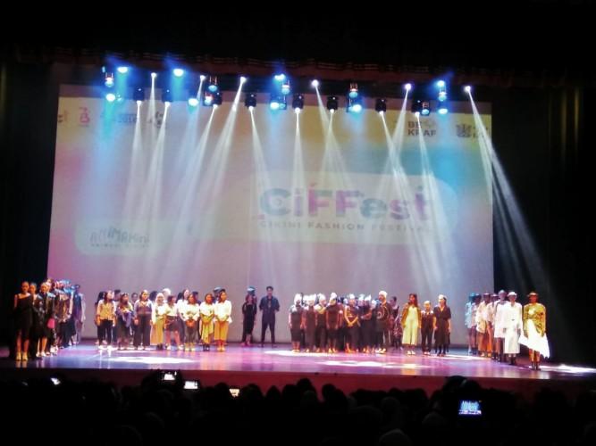Pertunjukan Fashion dan Animasi Tutup Animakini X CiFFest 2018